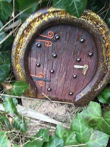 Easter-Fairy-Doors-Horseshoe